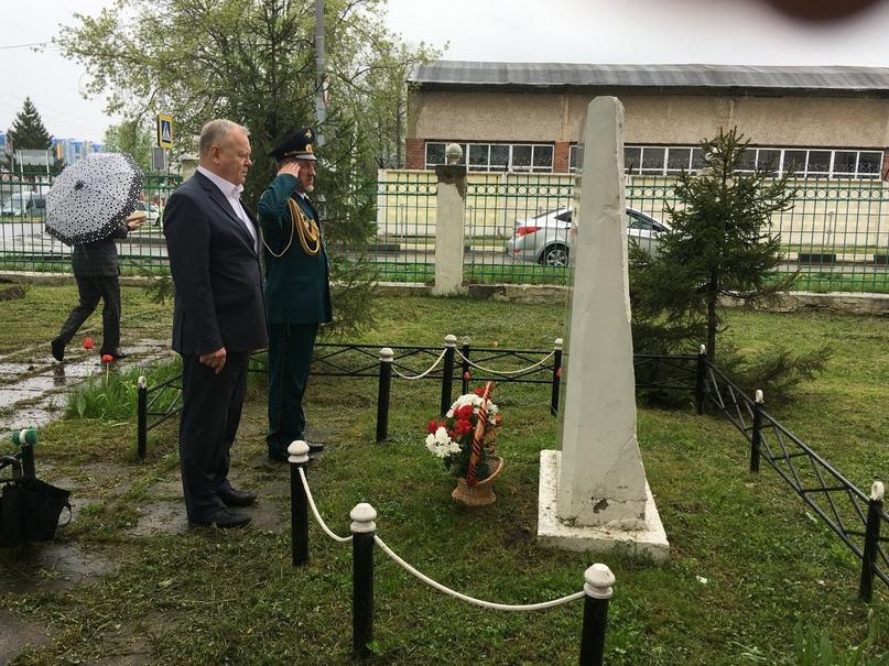 8 мая 2020-возложение цветов к обелиску павшим воинам., изображение №2