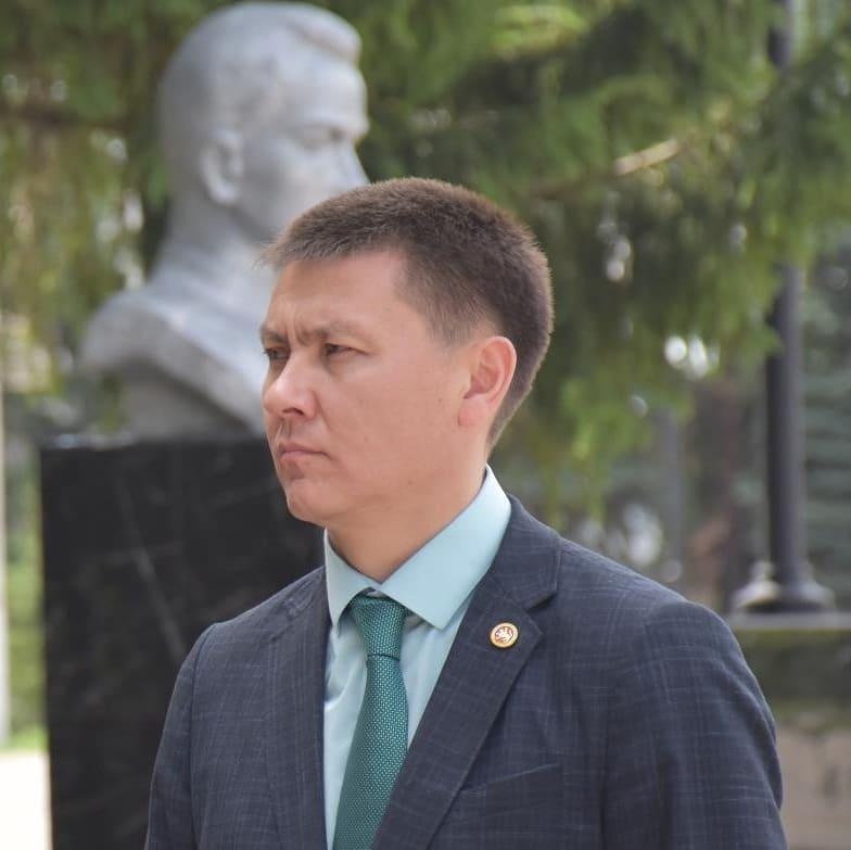 Радик Миниханов