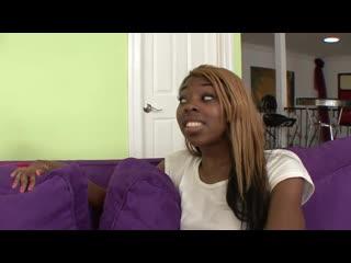 2 негритянки дали одному парню (ebony threesome ffm blowjob sex жмж черные групповуха teen)