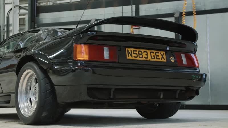 Carfection Lotus Esprit Sport 300 Дивный клинышек