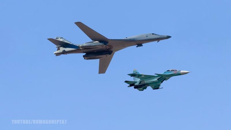 Russian Su 27 SU 30 fighters intercept US Bombers over Black Sea SU 30 intercepta B 1 Lancer