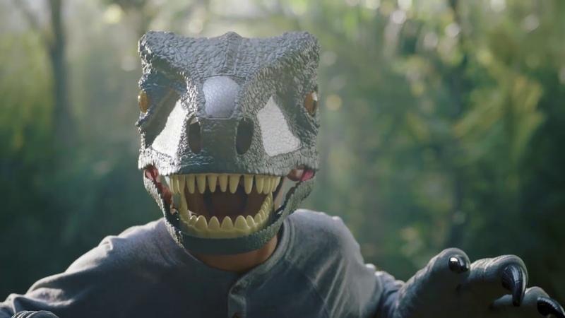 Jurassic World – Velociraptor Blue Chomp 'N Roar Mask Official TV Commercial :30   Mattel Action!