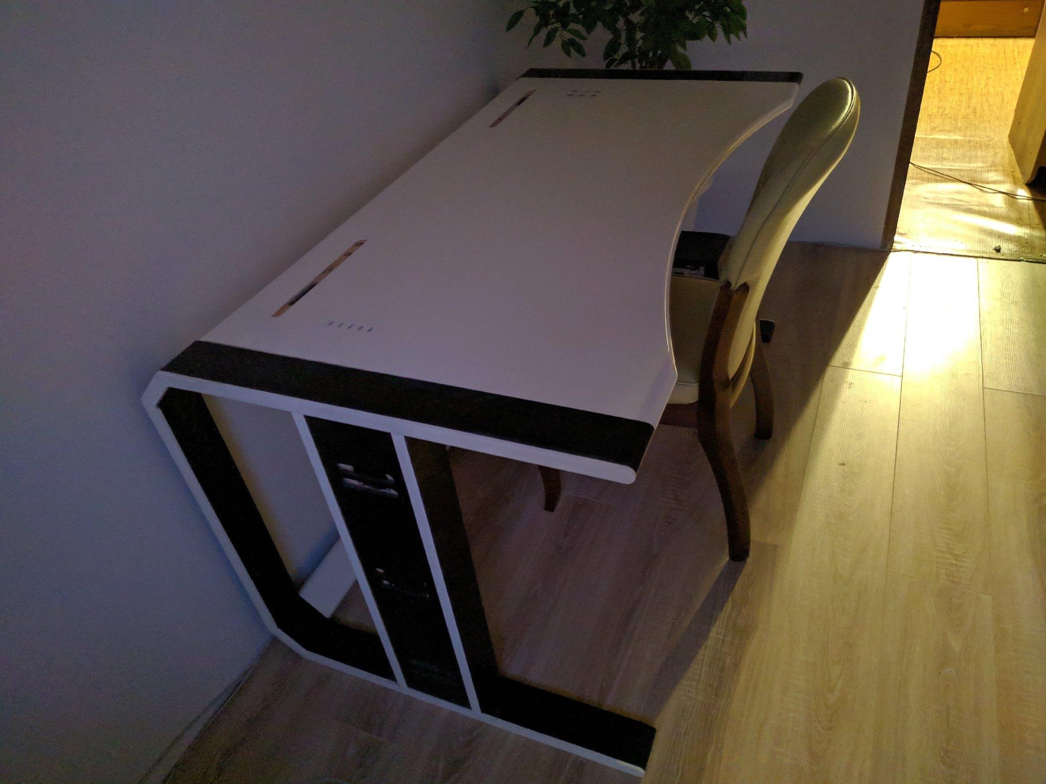 Как я 2 года проектировал самый технологичный компьютерный стол стоимостью 100 тысяч рублей