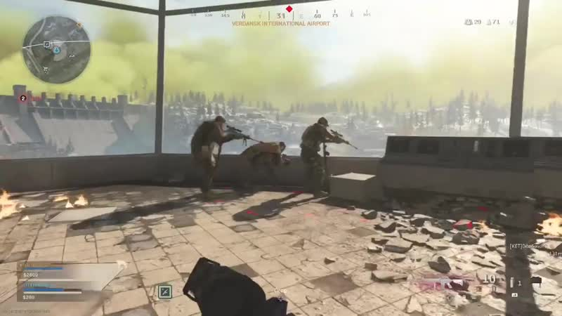 Squad pinning down my team mate only 10 bullets left Warzone