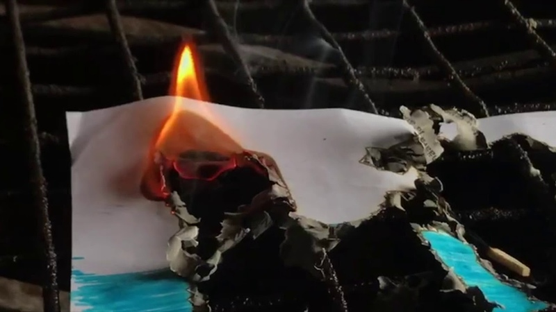 Burning of the Russian flag Сожжение флага России