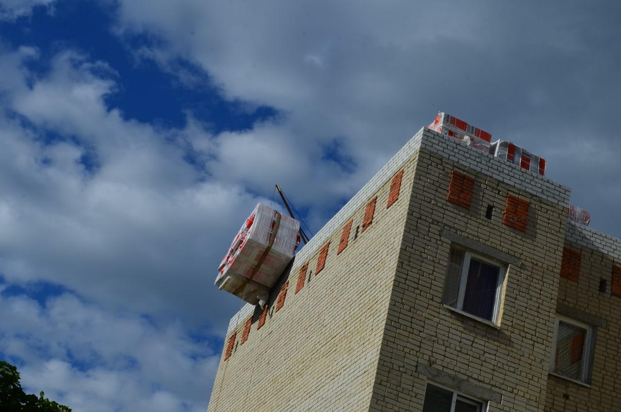 В многоквартирных домах Петровска ведётся капитальный ремонт кровли и инженерных коммуникаций