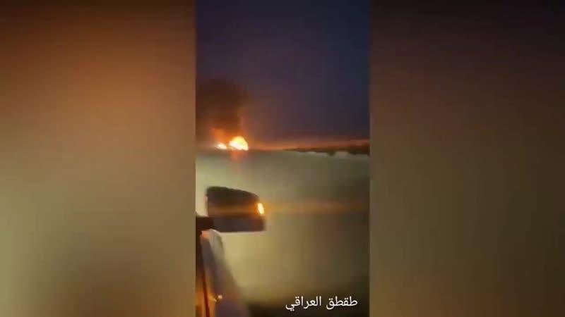 حرق شاحنات تنقل مواد و معدات امريكيه على طريق ديوانيه سماوه 720p mp4