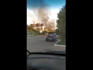 В Дзержинске 28 04 2020 около 17-00 горело здание.