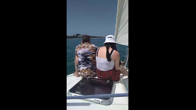 Таня и Сережа на яхте
