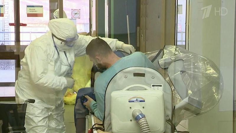 Институт скорой помощи имени Склифосовского принимает пациентов с подозрением на коронавирус.