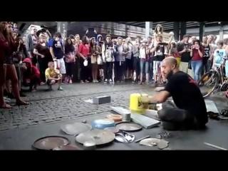 Fantastic Street Techno Drummer - Dario Rossi
