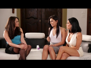 Allie Haze lesbica trio