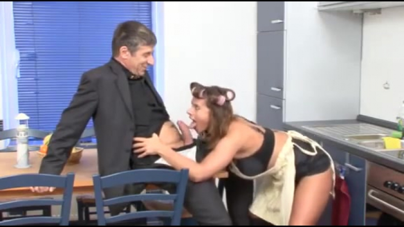 German woman gets fucked in the
