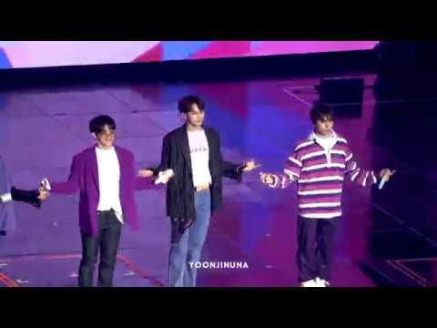 [FANCAM] [190308] SEVENTEEN (세븐틴) - What's Good (Mingyu focus) @ 3rd Fanmeeting Seventeen in Carat Land