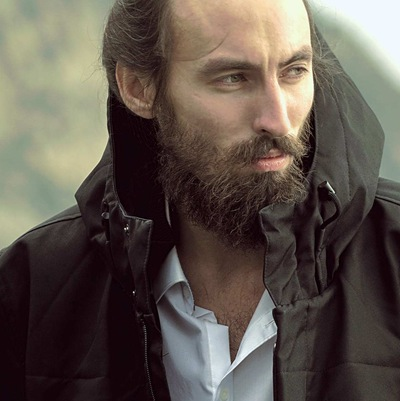 Илья Сапаров