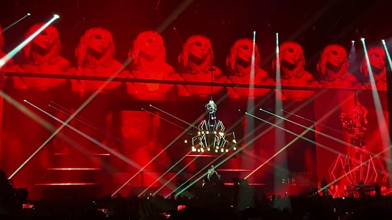 Светлана Лобода - В зоне риска (концерт в Москве ВТБ Арена Динамо)