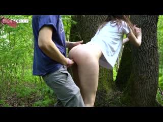 Развел русскую дамочку на трах в лесу за фальшивые баксы