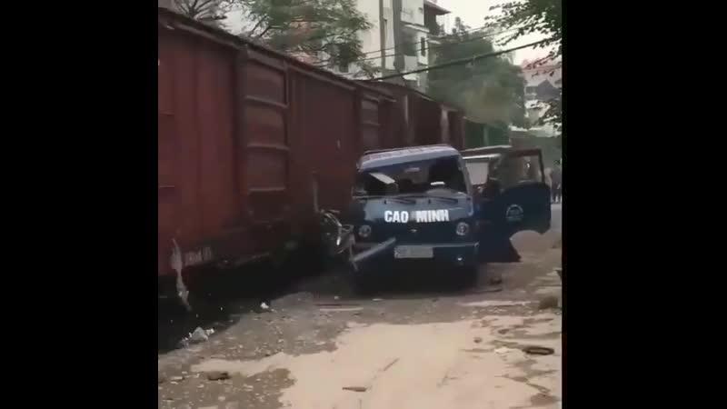 Какой молодец, внимательный водитель 😏