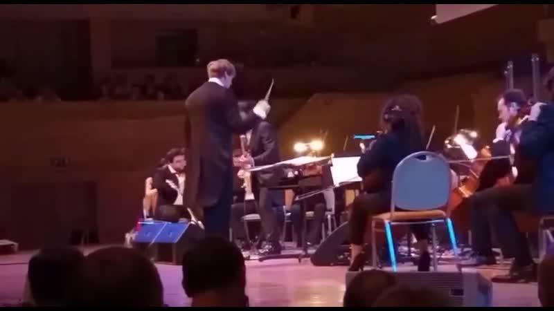 Гитарист группы Кино исполняет Enter Sandman