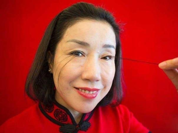 Обладательница самых длинных в мире природных ресниц Бывший директор инвестиционного фонда, 49-летняя китаянка Ю Цзянься, попала в Книгу рекордов Гиннесса, как обладательница самых длинных