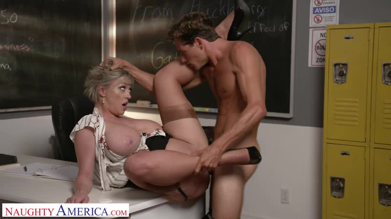 My First Sex Teacher Dee Williams Naughty America September 11, 2019 New Milf