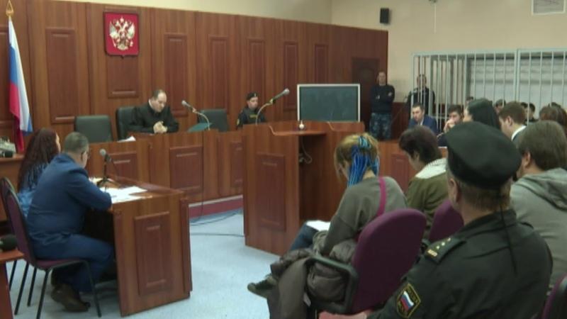 В Дзержинском суде сегодня начали оглашать обвинительное заключение бывшим сотрудникам ИК №1