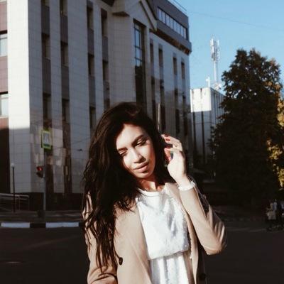 Елена Чесникова