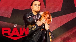 Shayna Baszler slams Becky Lynch head-first into the announce table Raw, March 30, 2020