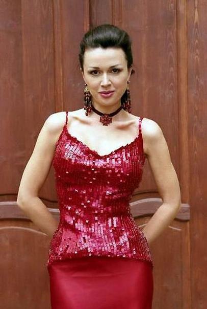 Мы уже писали, что поклонники Заворотнюк требуют простить ей долг перед налоговой Выяснилась сумма, разговор о 30 тысячах рублей, которые она не оплачивает. Не безумные деньги, но теперь СМИ