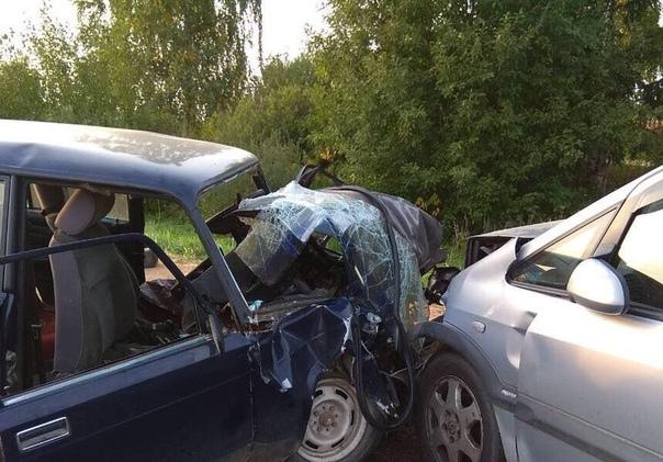 78 лет а он за руль, может плохо стало В Толочинском районе в результате лобового столкновения погиб водитель ВАЗ Авария произошла около 18 часов вечера 10 сентября на автодороге