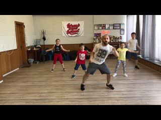 Hip-hop kids group with Elmi
