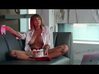 MUSE (2020) - Maitland Ward, Adriana Chechik, Gianna Dior, Scarlit Scandal, Lena Paul, Gabbie Carter, Kenna James, Avery Cristy