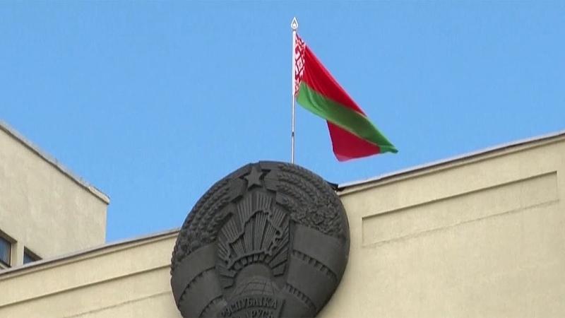Задержанных в Белоруссии россиян навестили наши дипломаты.