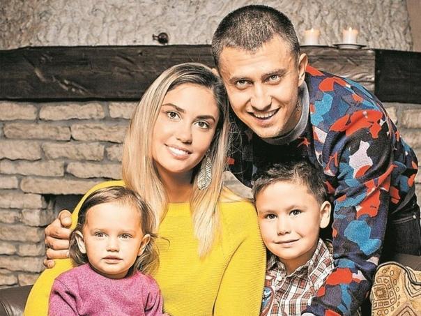 Агата Муцениеце рассказала, как Павел Прилучный обращался с детьми: