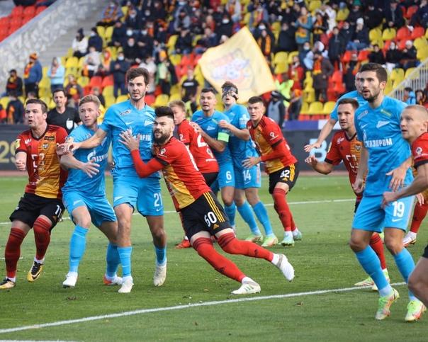 «Зенит» впервые за три года проиграл второй матч п...