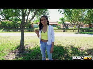 [BangBros] Kiara Curry - Kiara Fucks For The Love of Money NewPorn2019