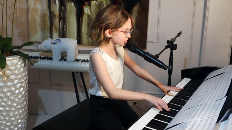 Маленькая девочка Вика Старикова из Нижнего Тагила круто спела хит QWEEN