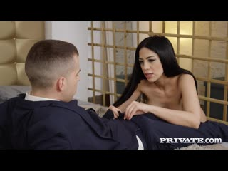 Private - Sex Addicted Secretary / Julia De Lucia
