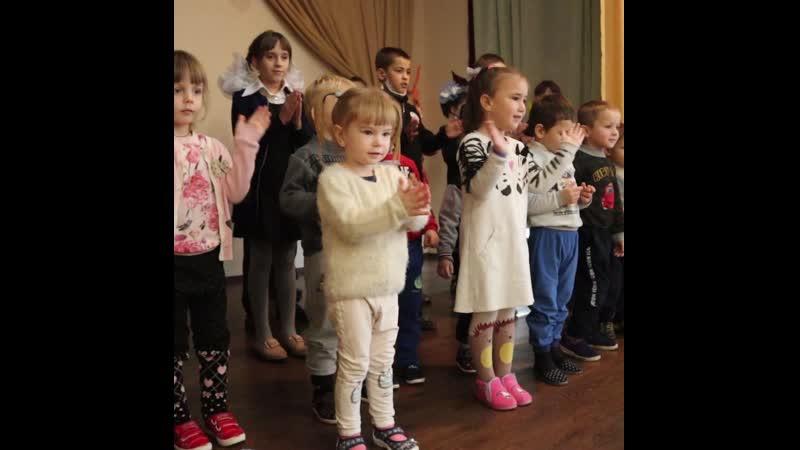 Воспитанники перевальской школы интерната получили подарки от проекта Волонтёр
